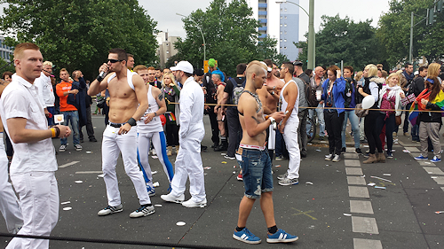 CSD-Parade Berlin 2014: hard guys won't fear low temperature